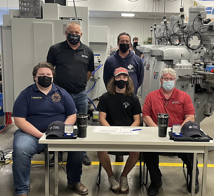 Magna Machine and Tool Signing Day for Young Employees